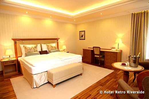 hotel-retro-riverside-karlsbad